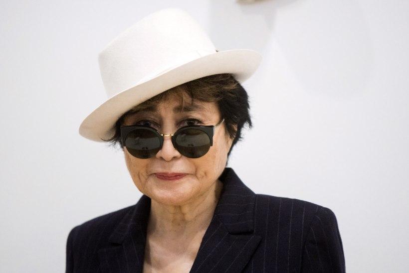 Yoko Ono viidi haiglasse
