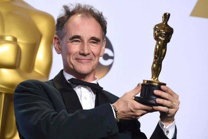 DiCaprio aina ootas. 22 aastat ootas – ja nüüd on Oscar käes!