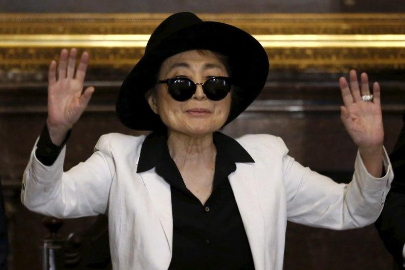 Kuuldused Yoko Ono insuldist osutusid alusetuks