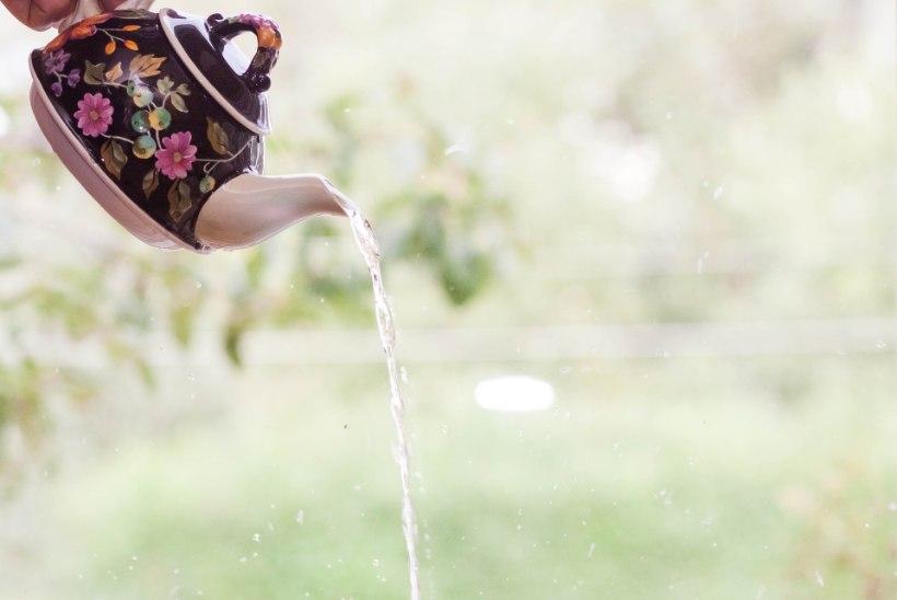 Miks juua tee asemel lihtsalt kuuma vett?