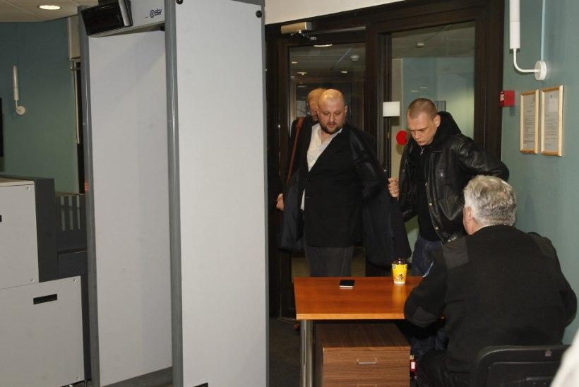 GALERII JA VIDEO | Kaur Kender kohtumajas: prokuratuur tegeleb jälitamise ja ahistamisega