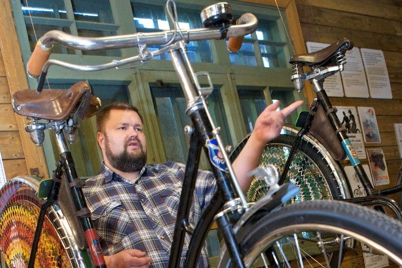 Kohaliku elu edendaja: vanade jalgrataste huviline avas muuseumi