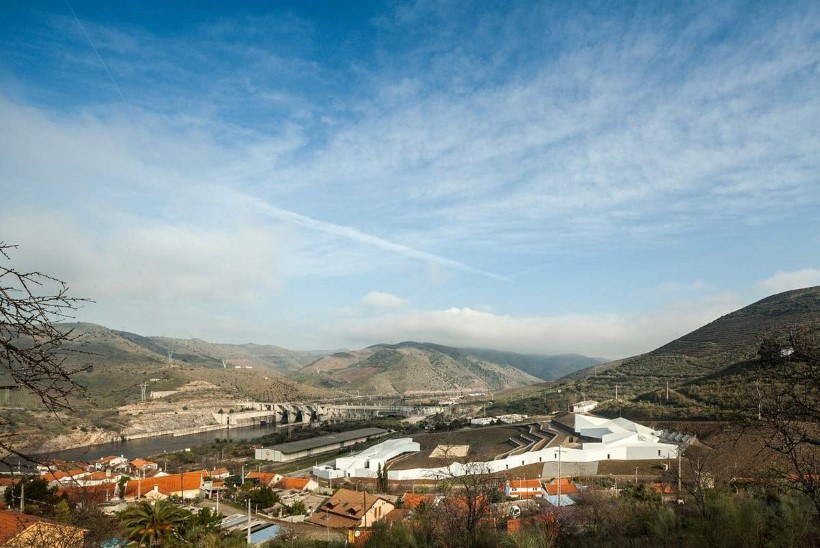 Neljapaat valmistub olümpiaks kesk ürgloodust, kus hulbivad apelsinid ja kasvavad viinamarjad