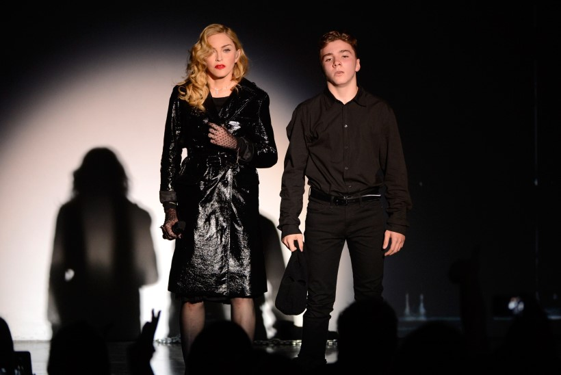 Madonna poeg tahab elada isa juures
