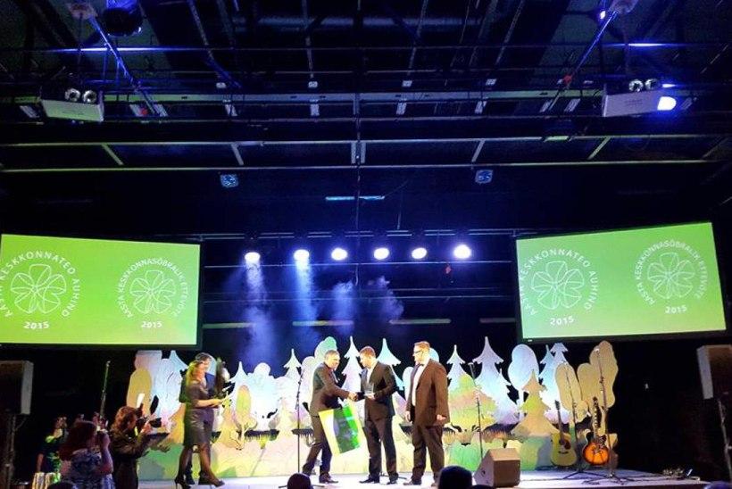 Vabatahtlikud lõhekaitsjad pälvisid Aasta Keskkonnateo auhinna   VIDEO