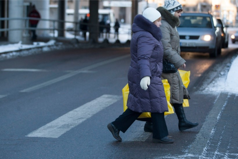 Eile sai liikluses viga kaks eakat jalakäijat