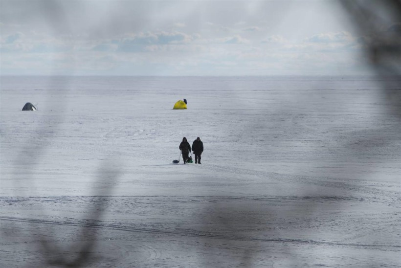 Suur osa Peipsi järve jääst läheb kalastajatele lukku