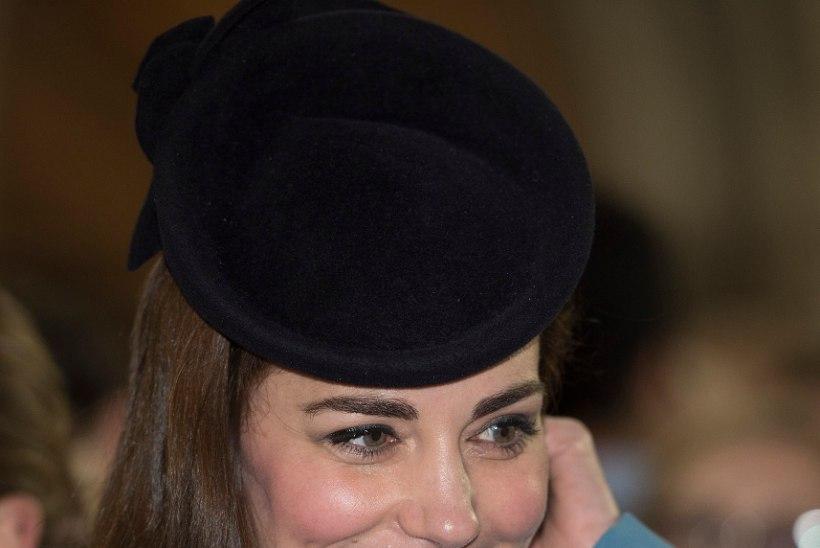 Hetrsoginna Catherine kulutas sõidule 3000 naela maksumaksja raha, kuninganna Elizabeth aga kõigest 54 naela