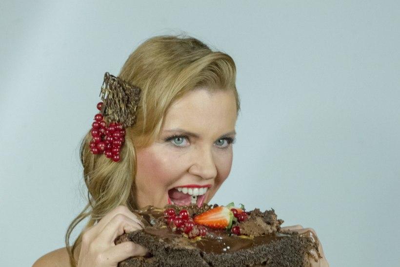 Anu Saagim: heategevuse nimel võin ka paljas ja tordiga koos olla