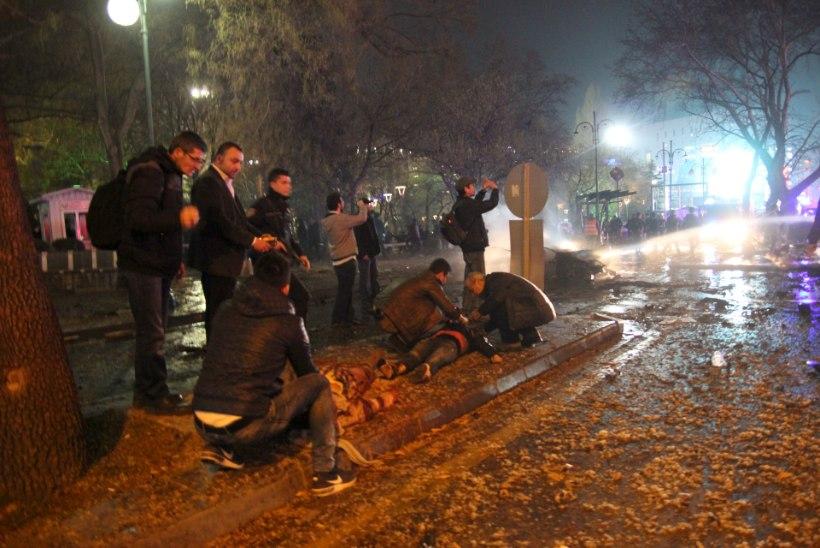FOTOD   Ankaras plahvatas autopomm, on kümneid hukkunuid ja vigastatuid