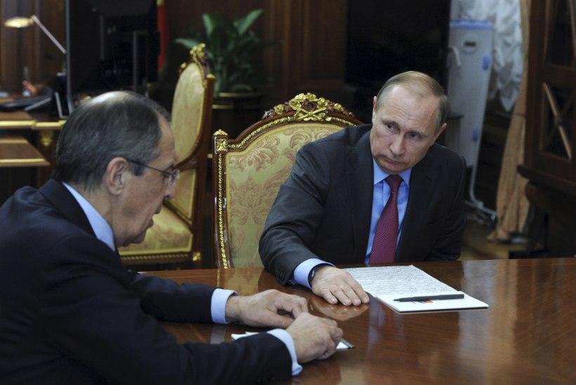 Kas Putini kabinetis oli tõesti triiklaud?