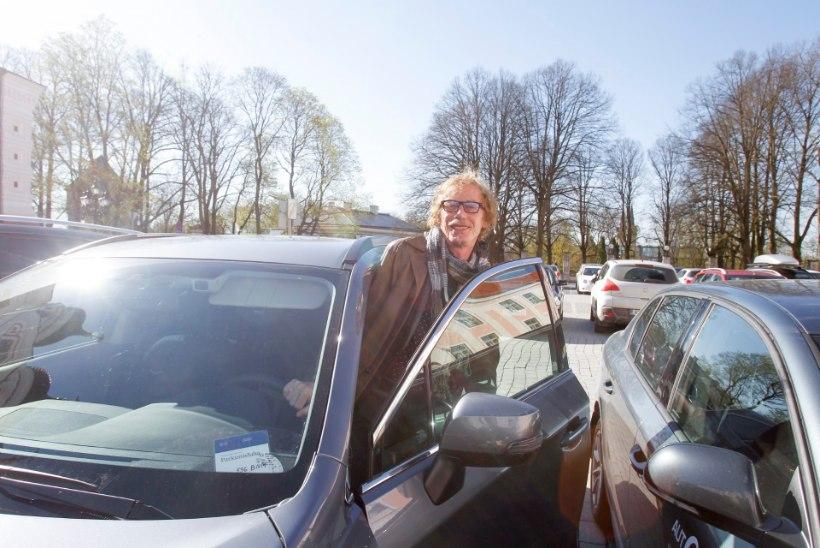 SAADIKUTE AUTOPRALLE: valijatega kohtuma sõitmiseks liisitakse luksusautosid