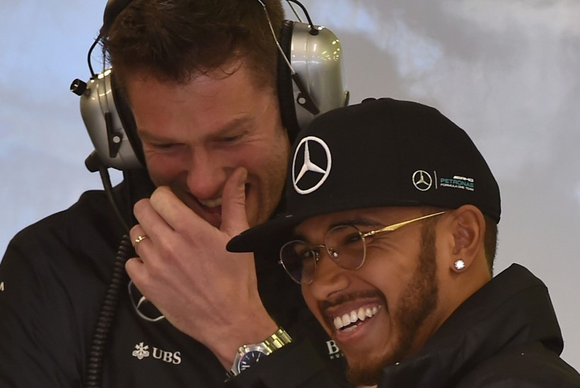 UUS HOOAEG, SAMA JAMA? Hamiltoni ülekaal F1-hooaja esimesel vabatreeningul oli mäekõrgune!