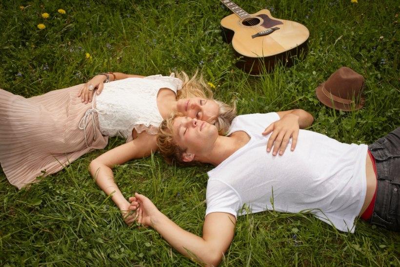 ARMUHOROSKOOP | Millistele tähemärkidele toob tujukas kevad armuõnne?