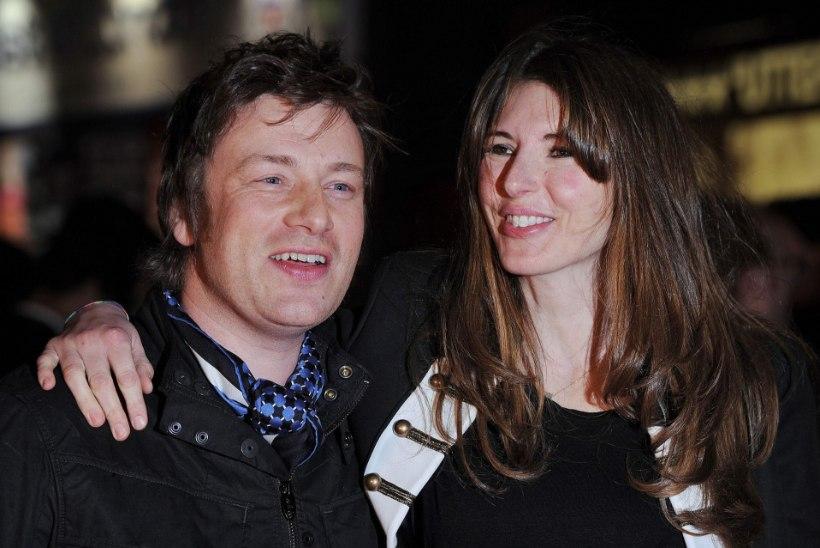 Jamie Oliver sattus rinnapiimaskandaali