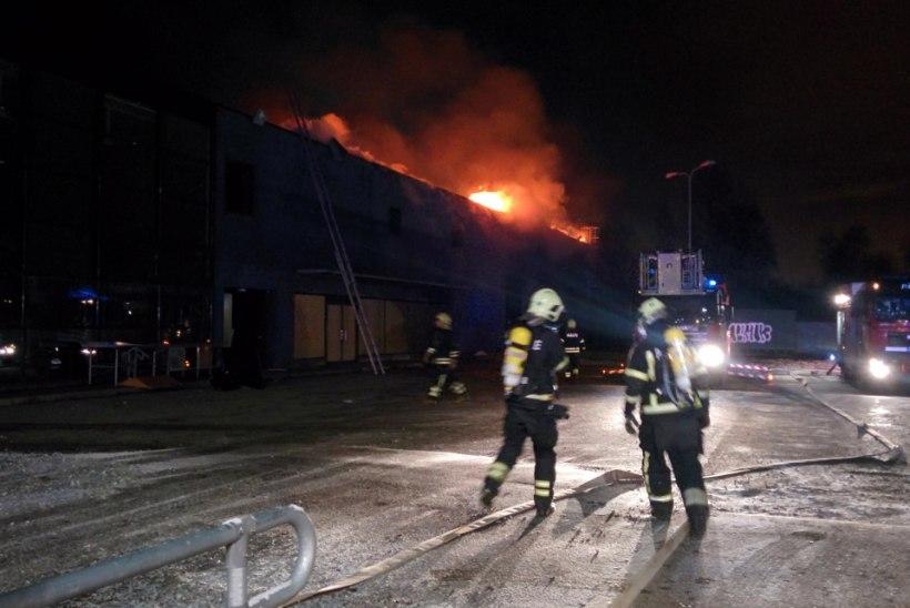 Päästeamet: Maxima hoone hiigelpõleng algas prahihunnikust