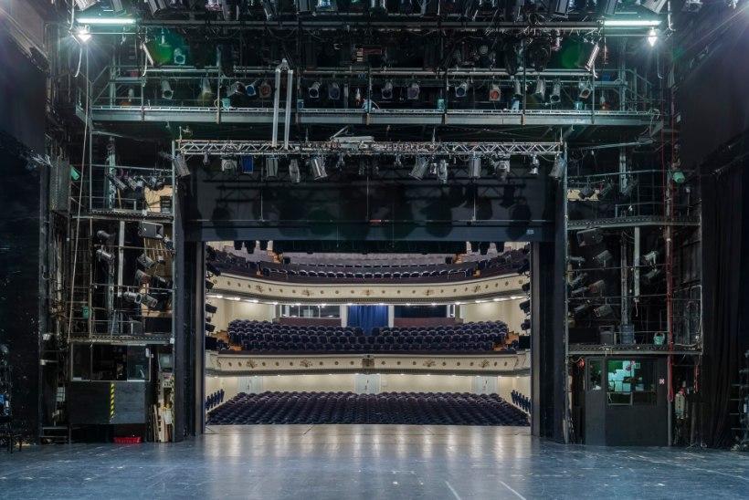 Что видят актеры со сцен театров Эстонии: 13 завораживающих снимков