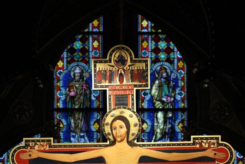 Jeesus Kristus – müüt, inimene või jumala pojast lunastaja?