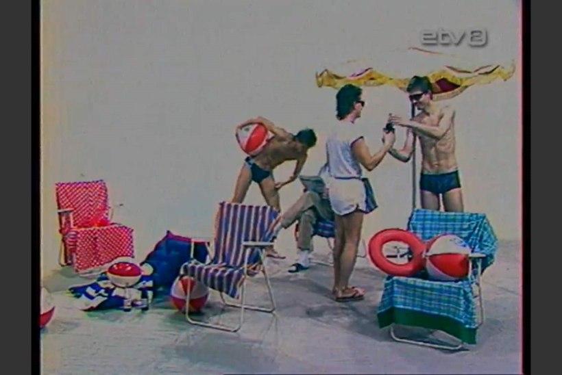 Retrovideo: ujumislestadega linoleumpõrandal
