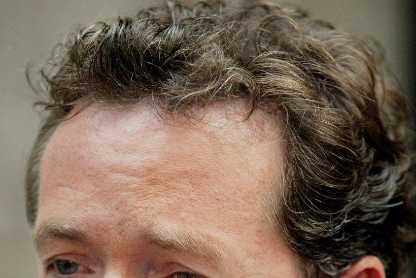Arsene Wengerile pakutakse kolmeaastast lepingut, osanikud maruvihased