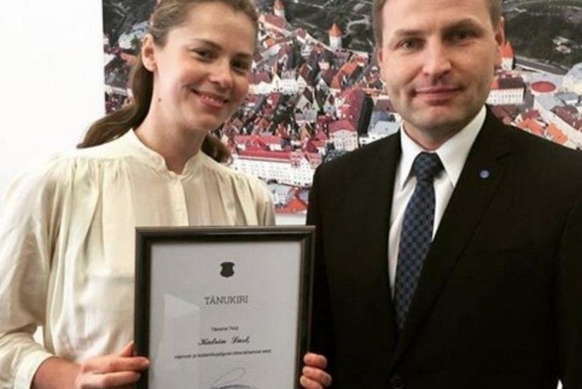 TV3 VIDEO | Siseminister Pevkur andis kaklusse sekkunud Katrin Lustile vapruse eest tänukirja