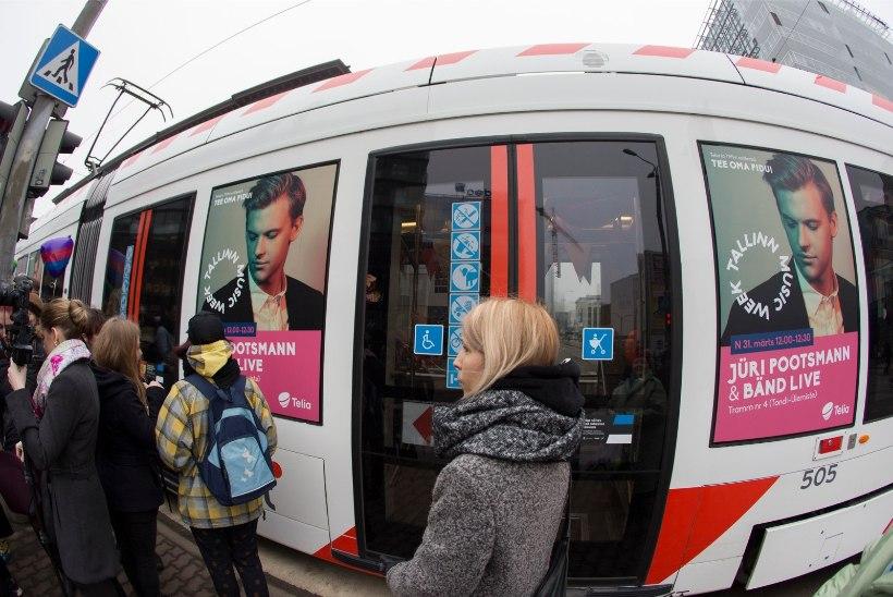 ÕHTULEHE VIDEO JA GALERII | Jüri Pootsmann andis trammis kontserdi: pidin meeles pidama, et kinni hoida