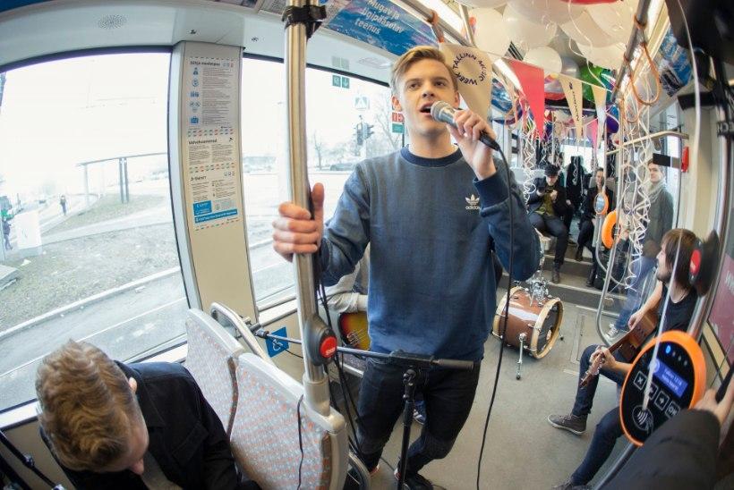 Jüri Pootsmann andis trammis kontserdi: pidin ikka kogu aeg kuskilt kinni hoidma