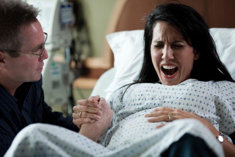 Стоит ли мужчине присутствовать при родах? Мнение 40-летнего, 20-летней и психолога