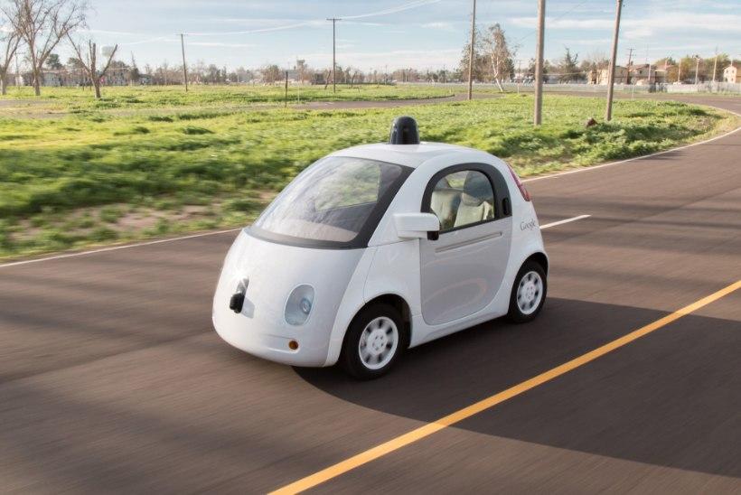 (Natuke) isesõitvad autod on juba Eestiski kohal