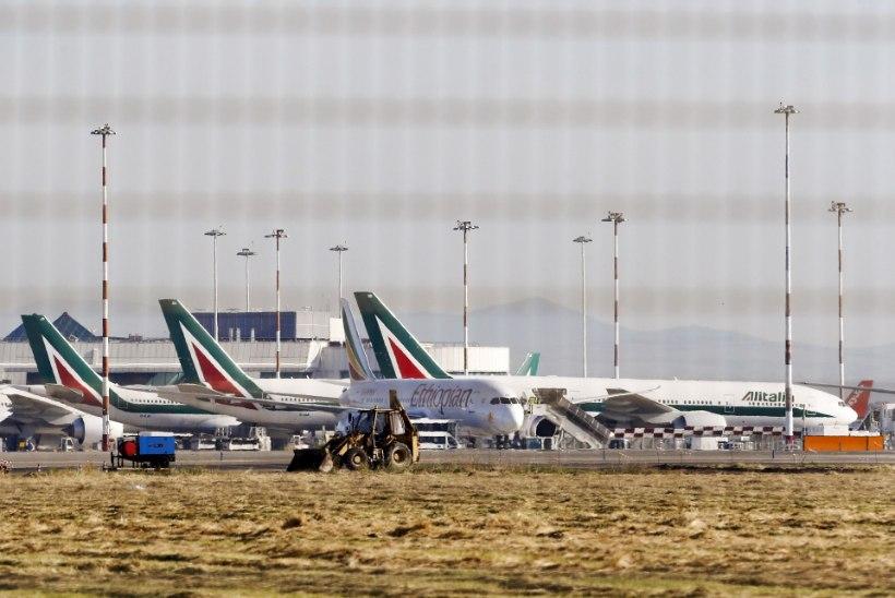 Itaalia piloot ähvardas 200 reisijat alla kukutada, kui naine ta maha jätab
