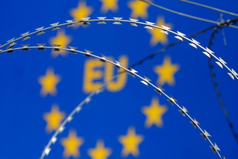 Schengeni tsooni tulevik kahtluse all: Sloveenia sulgeb pagulastevoolu ees piirid