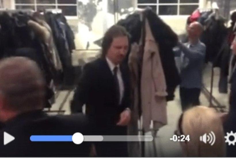 VIDEO | Ville Jehe, Silver Meikar ja Indrek Saar askeldasid vabatahtlikena garderoobis
