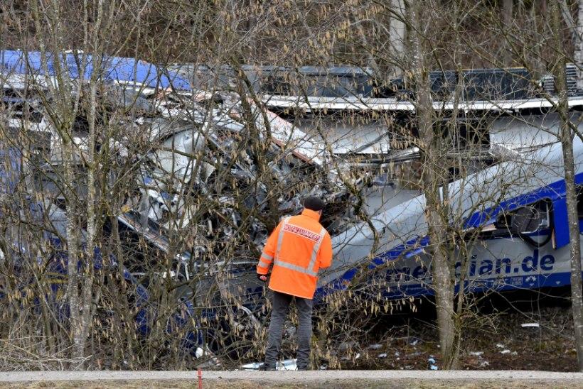 Baieri rongiõnnetuse põhjustas mobiiliga mänginud signalist