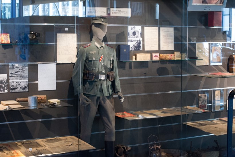 GALERII   Okupatsioonide muuseumi avati kõmuline näitus