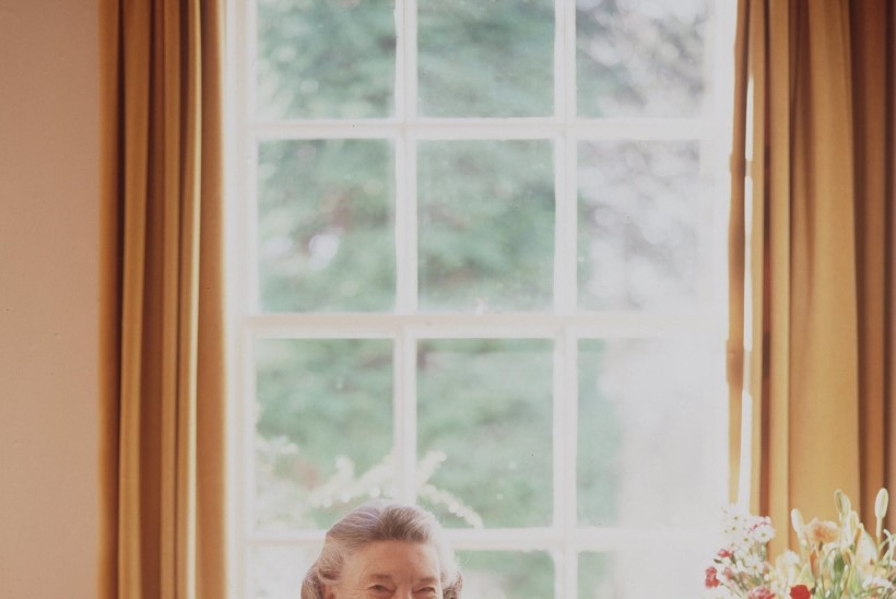 Kuidas sai Šoti koduperenaisest Rosamunde Pilcherist bestsellerite autor?