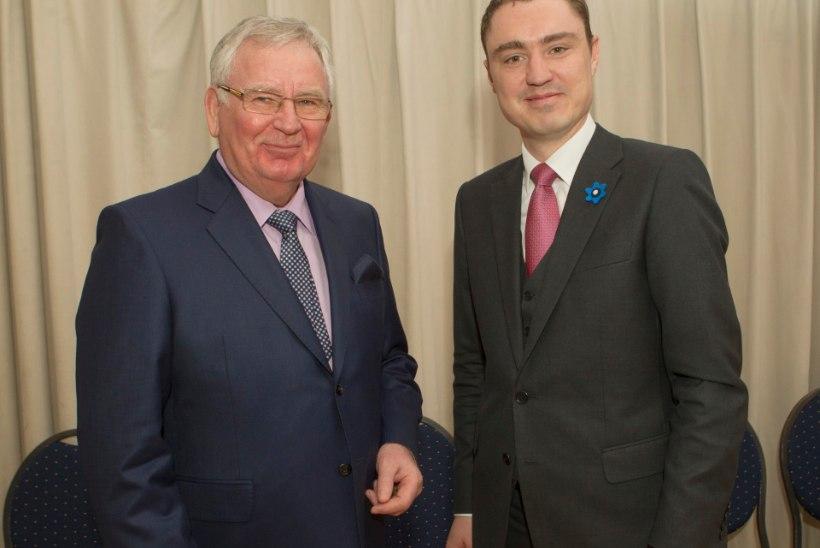 GALERII | Siim Kallas teatas, et on valmis presidendivalimiste protsessis osalema