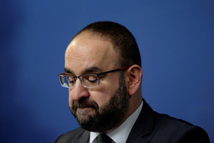 Iisraeli solvanud minister tagandati