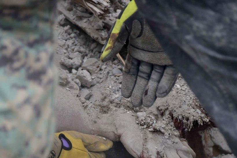 FOTOD ECUADORIST PÄRAST MAAVÄRINAT   ohvrite arv on tõusnud 272ni