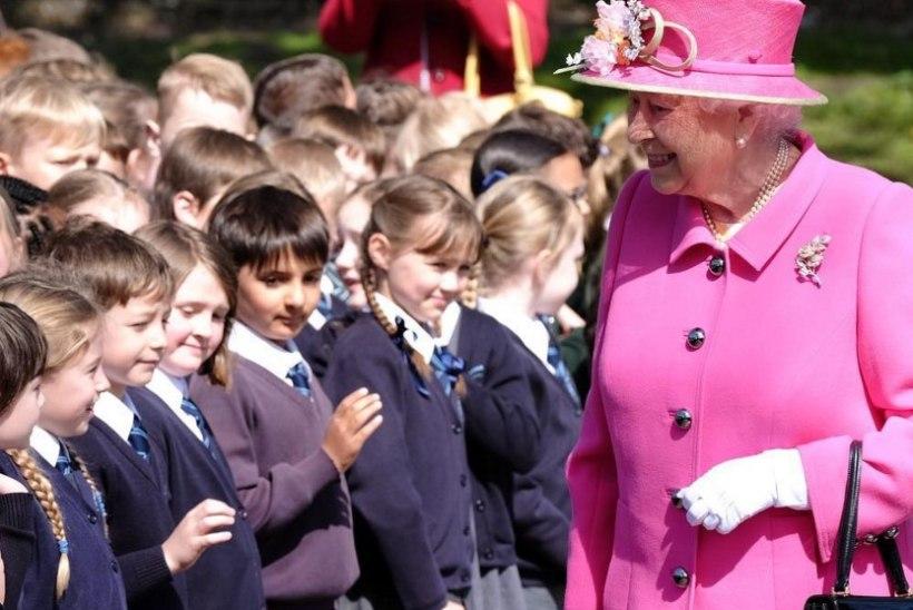 AHHETAMA PANEV DAAM: homme 90aastaseks saav kuninganna säras nooruslikus roosas!
