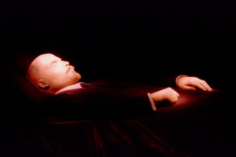 Venelased: Lenin tuleb maha matta