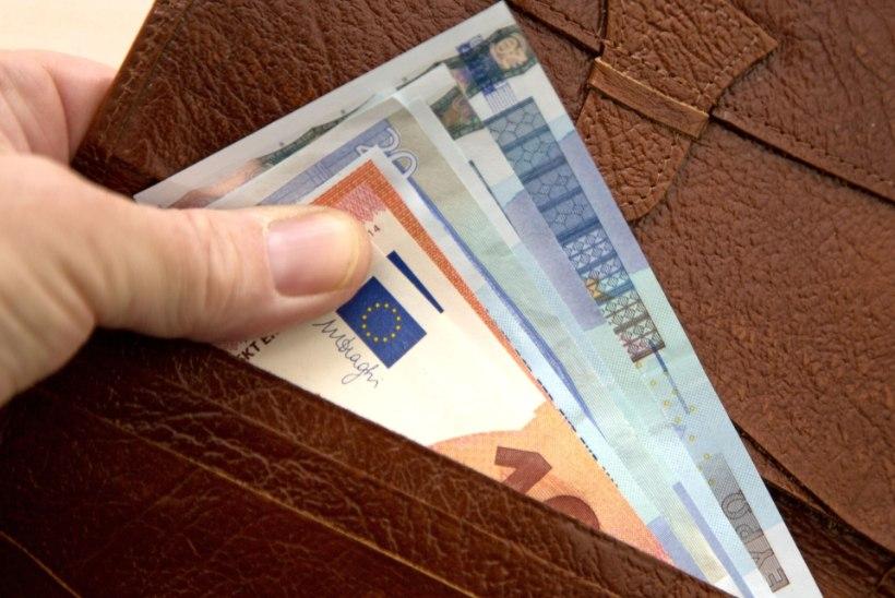 Eesti Pank: säästud kasvavad endiselt kiiremini kui võlakohustused