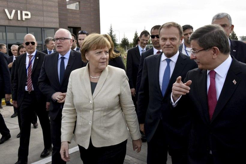 GALERII | Merkel külastas Türgi põgenikelaagrit