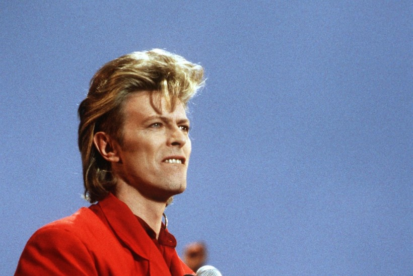 Briti koomik: David Bowie varjas oma haigust kõigi eest