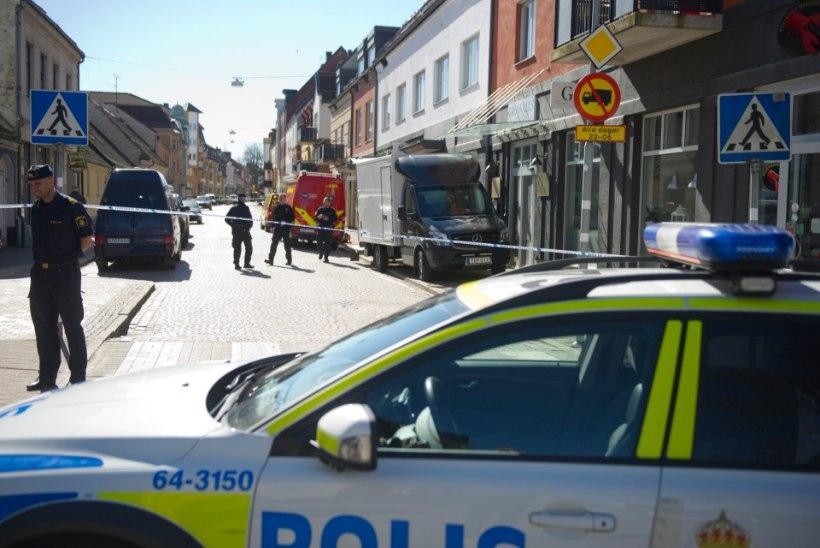 """Rootsi politseinik juurdluse all: peksis migranti ja sõimas """"kuradi araablaseks"""""""