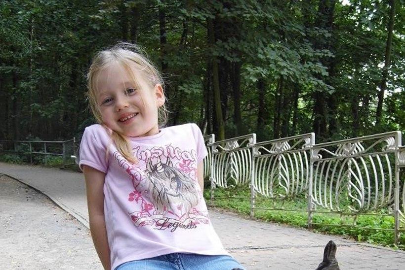 Vanemad loodavad, et nende aasta tagasi kadunud tütar elab