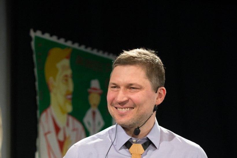 ÕHTULEHE FOTOD JA VIDEO | Oskar Lutsu nimelise huumoripreemia pälvis tänavu Martin Algus