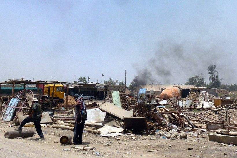 Iraagis plahvatas rahvarohkel turul autopomm, mitukümmend surnut ja haavatut