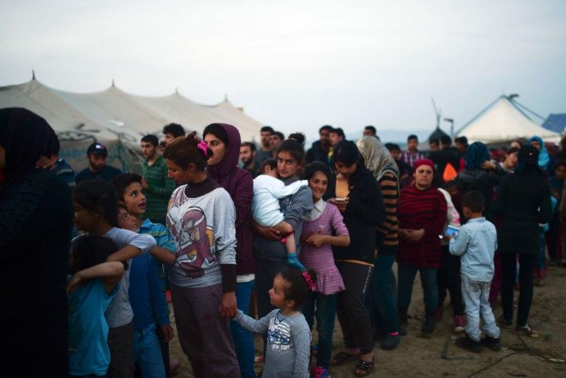 Kreeka-Makedoonia piiril protestivad Süüria põgenikud