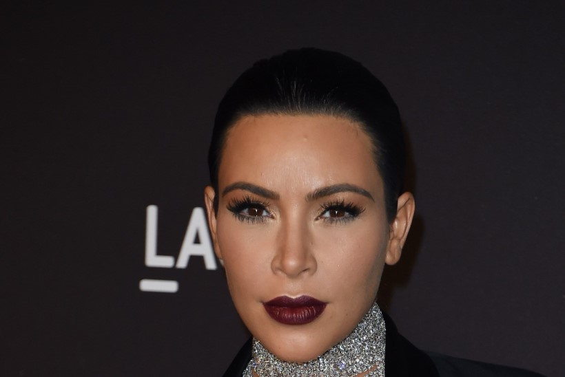 PALJASTATUD! Mis on Kim Kardashiani veatu juuksepiiri saladus?