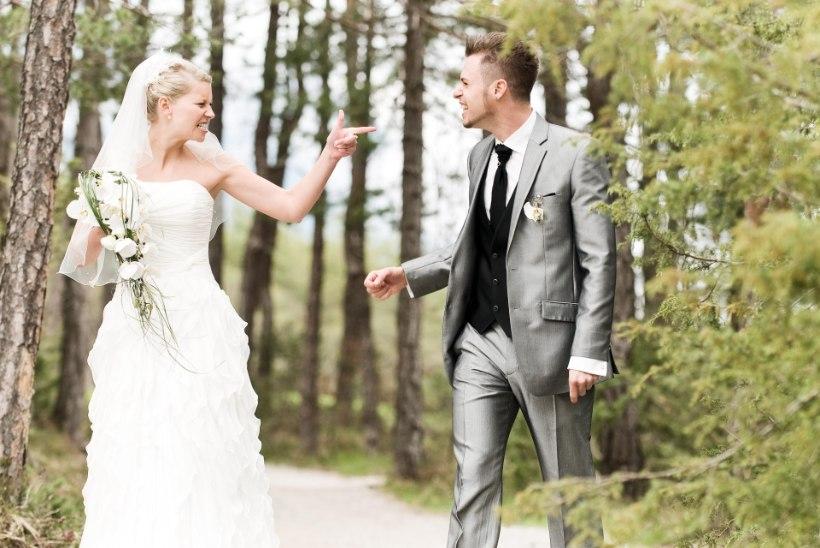 Pruut peigmehele: kas peame pulmad mõisas või otsid uue naise!